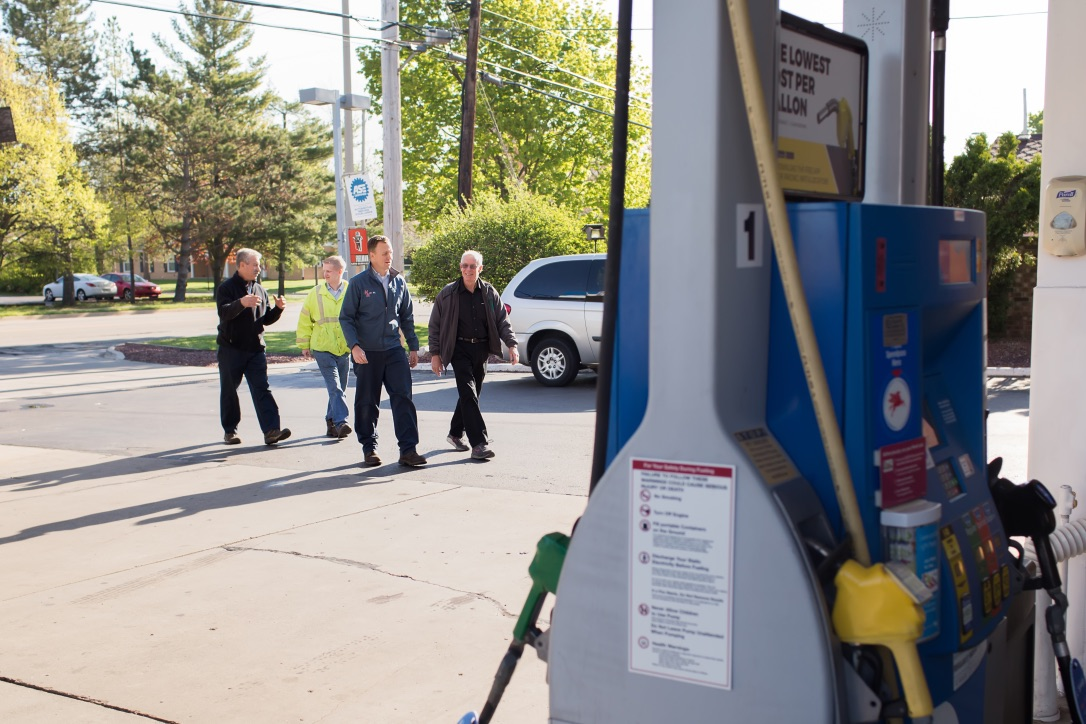 Gallery | H&H Mobil Fuels, Towing & Service Image 11