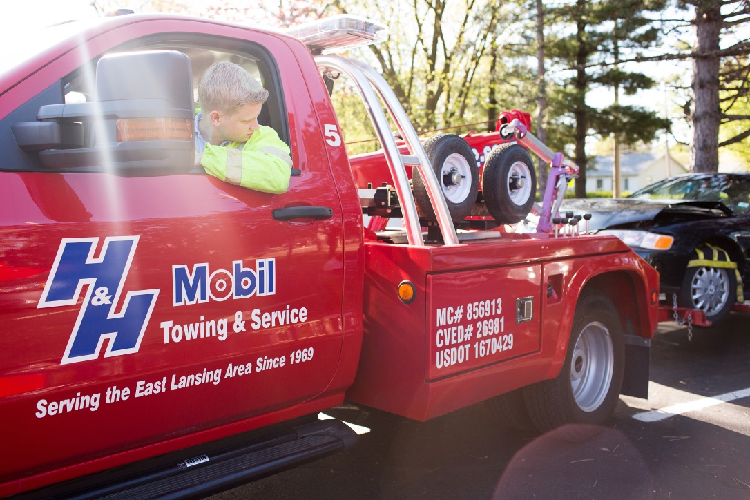 Gallery | H&H Mobil Fuels, Towing & Service Image 12