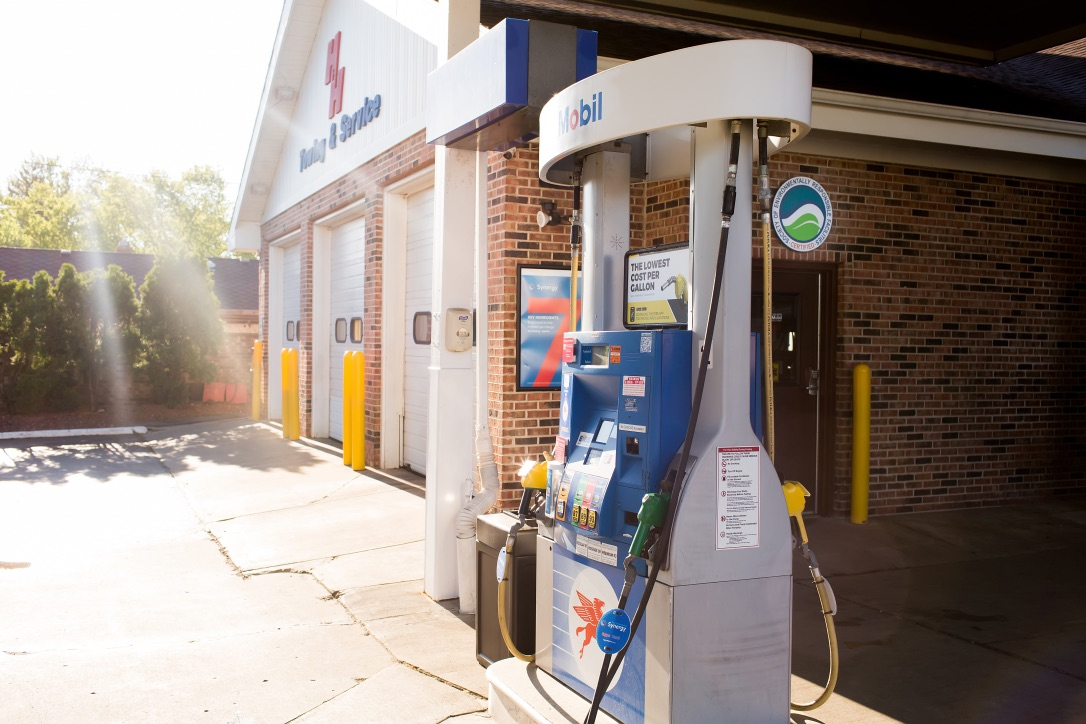 Gallery | H&H Mobil Fuels, Towing & Service Image 15