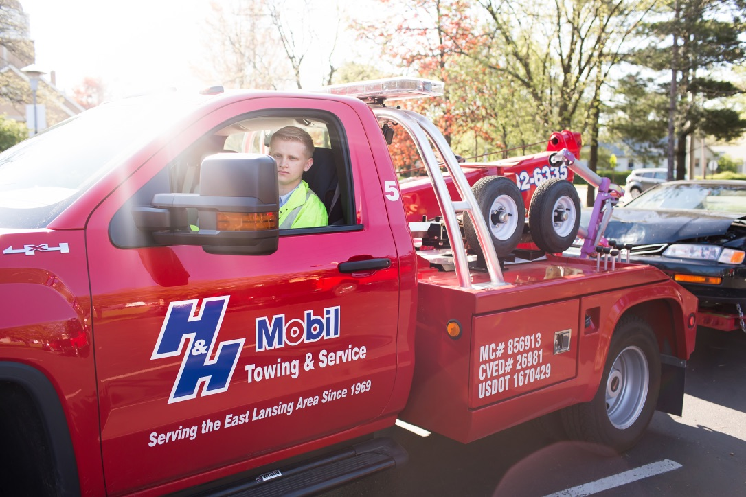 Gallery | H&H Mobil Fuels, Towing & Service Image 16