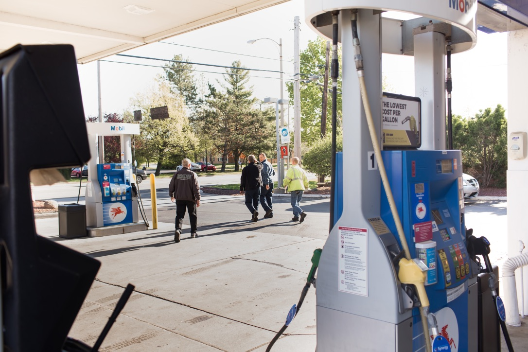 Gallery | H&H Mobil Fuels, Towing & Service Image 17