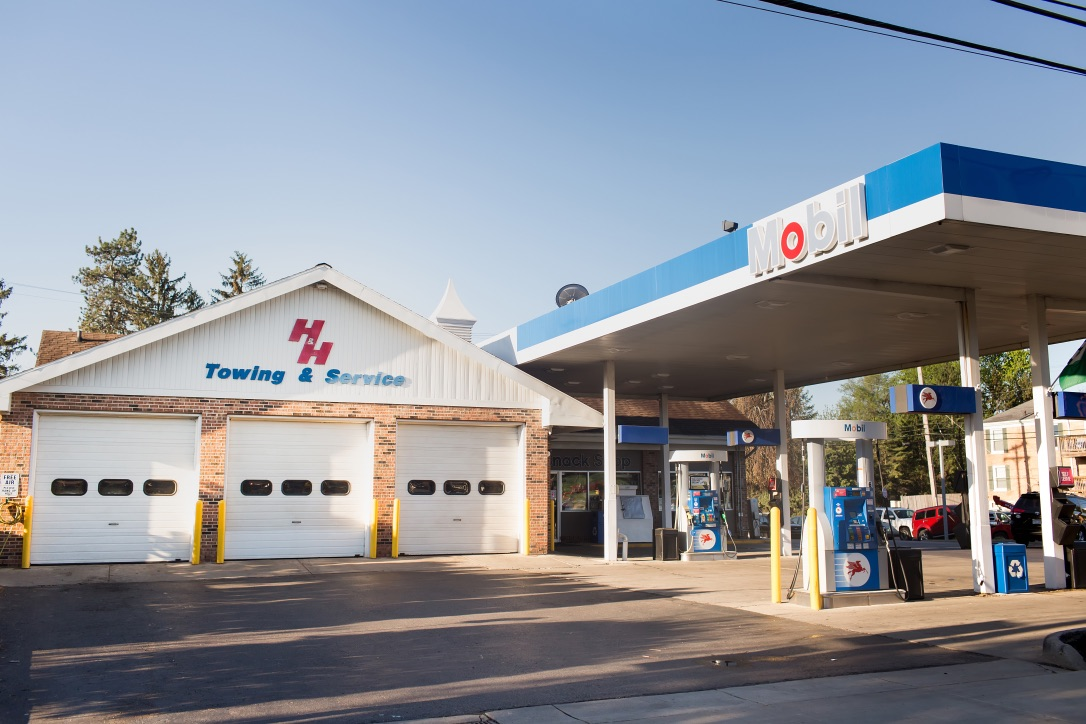 Gallery | H&H Mobil Fuels, Towing & Service Image 20