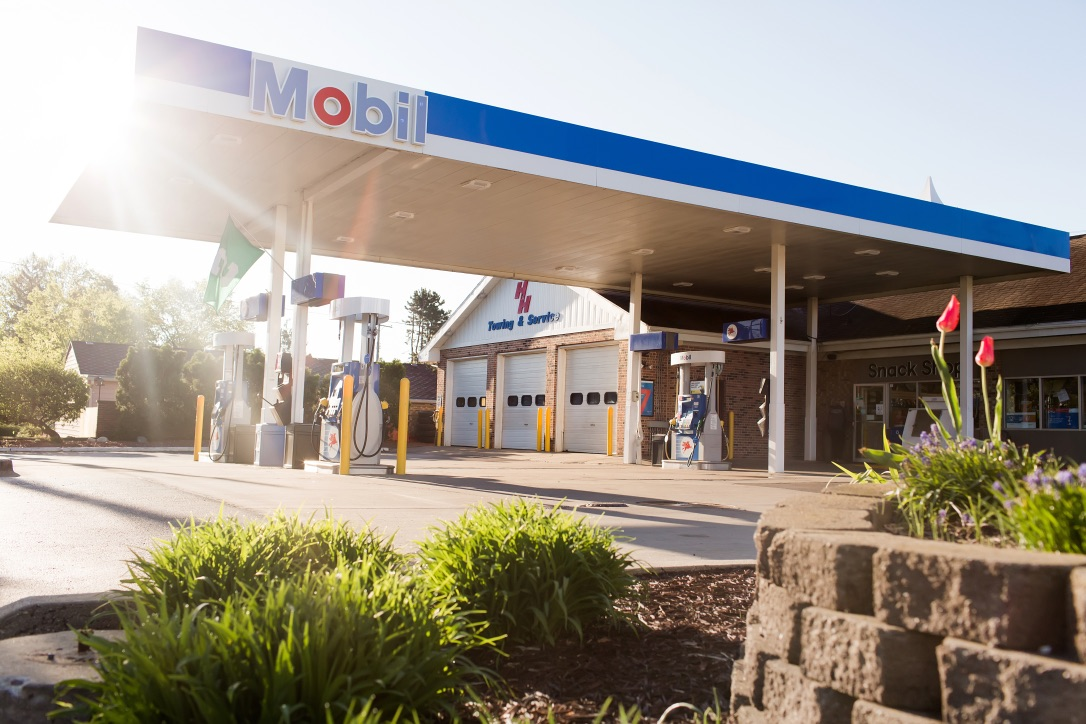 Gallery | H&H Mobil Fuels, Towing & Service Image 8